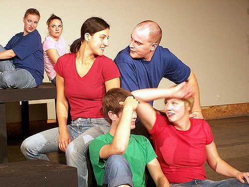 7 Ways that Taking Improv Classes Boosts Your Creativity